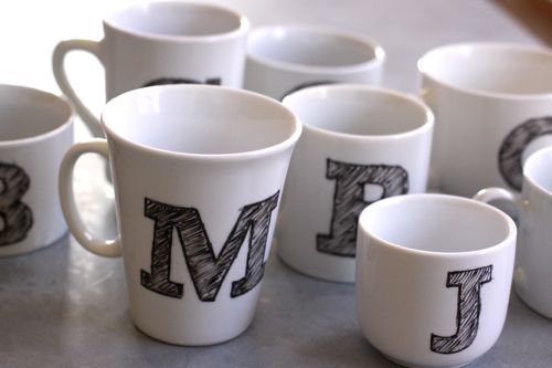 DIY Monogrammed mug via designmom
